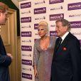 Le prince Harry rencontre Lady Gaga et Tony Bennett au Royal Albert Hall à Londres, le 8 juin 2015, avant leur représentation au profit de l'association WellChild, dont il est le parrain.