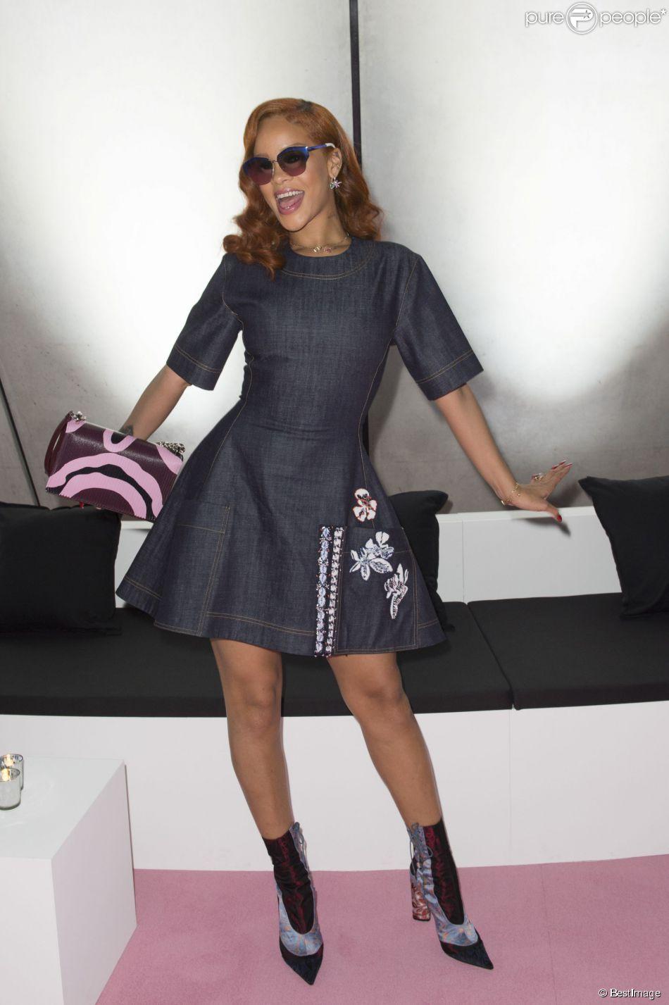 Rihanna - People au défilé Christian Dior TOKYO prêt-à-porter collection Automne-Hiver 2015/2016 au centre national des Arts de Tokyo, à Tokyo au Japon, le 16 juin 2015.