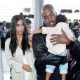 Kim Kardashian, Kanye West et leur fille North à Los Angeles, le 7 avril 2015.