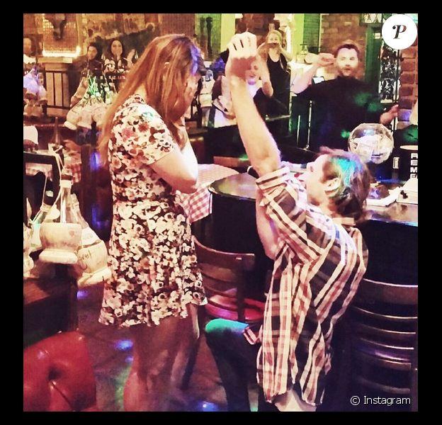 Molly Tarlov et Alexander Noyes se sont fiancés - Instagram, juin 2015