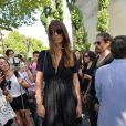 Caroline de Maigret à la sortie du défilé de mode masculine Dior printemps-été 2016 au Tennis Club de Paris le 27 juin 2015.