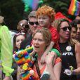 Cynthia Nixon et sa compagne Christine Marinoni font la Gay Pride de New York avec leur fils Charlie. Le 28 juin 2015