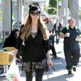 Paris Hilton et Tinkerbell à Beverly Hills, Los Angeles, le 5 janvier 2015