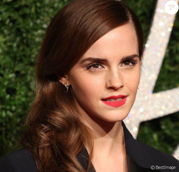 """Emma Watson - Soirée des """"British Fashion Awards"""" à Londres le 1er décembre 2014."""