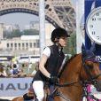 Charlotte Casiraghi au Paris Eiffel Jumping sur le Champs-de-Mars à Paris, le 3 juillet 2015.