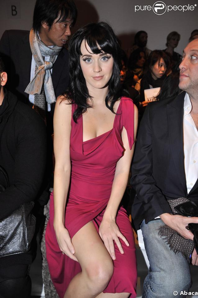 Katy Perry, trop sexy en rouge