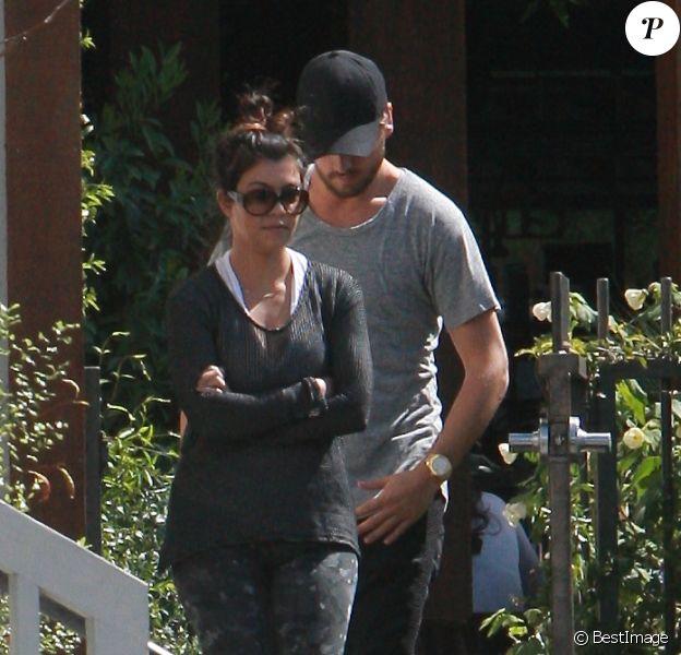 Kourtney Kardashian et Scott Disick vont déjeuner à Calabasas le 4 avril 2014.