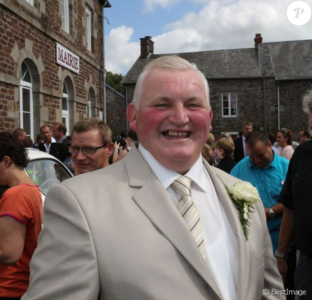 Exclusif - Thierry Olive de L'amour est dans le pré saison 7 et Annie se mariaient, à Gavray, en septembre 2012