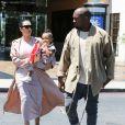 Kim Kardashian, enceinte, est allée au cinéma avec son mari Kanye West et sa fille North qui mange des pop-corn à Calabasas, le 11 juillet 2015