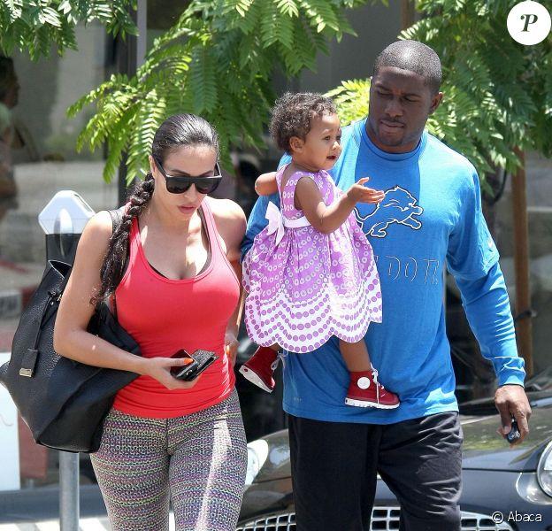 Reggie Bush et Lilit Avagyan vont déjeuner au Ed's Coffee Shop avec leur fille Briseis à West Hollywood, Los Angeles, le 1er juillet 2014