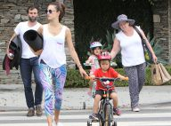 Alessandra Ambrosio : Maman détendue avec ses enfants après des vacances de rêve