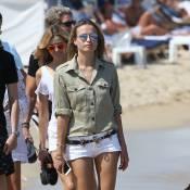 Natasha Poly : Look à tomber pour bronzer à Saint-Tropez