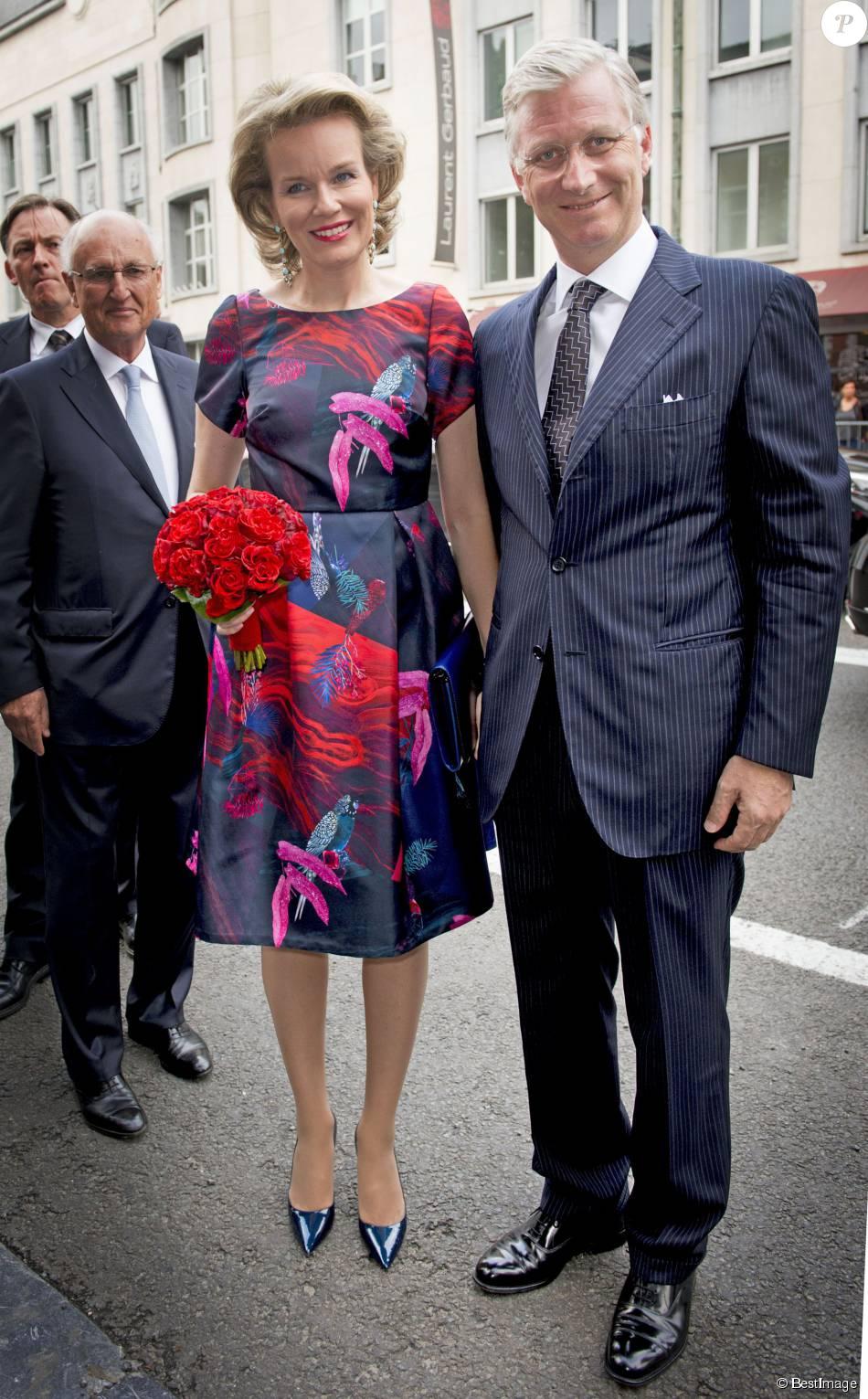 la reine mathilde et le roi philippe de belgique au concert pr lude la f te nationale. Black Bedroom Furniture Sets. Home Design Ideas