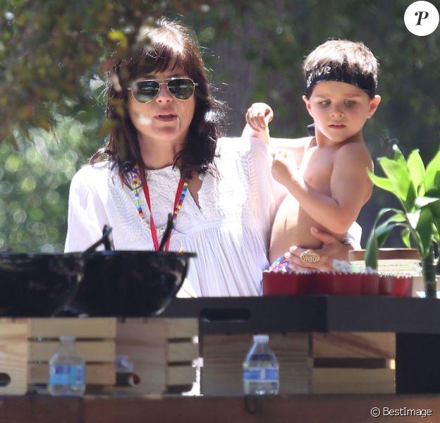 Selma Blair et son ex-mari Jason Bleick organisent une fête d' anniversaire pour les 4 ans de leur fils Arthur à Los Angeles, le samedi 25 juillet 2015.