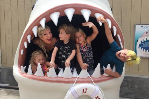 Tori Spelling : Maman active et impliquée, elle s'éclate avec ses enfants