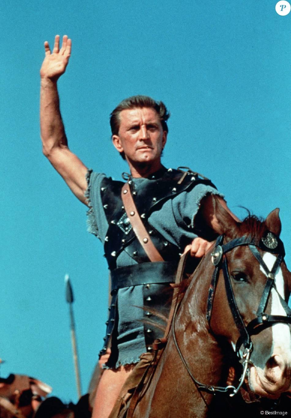 Spartacus Official Trailer 1  Kirk Douglas Laurence