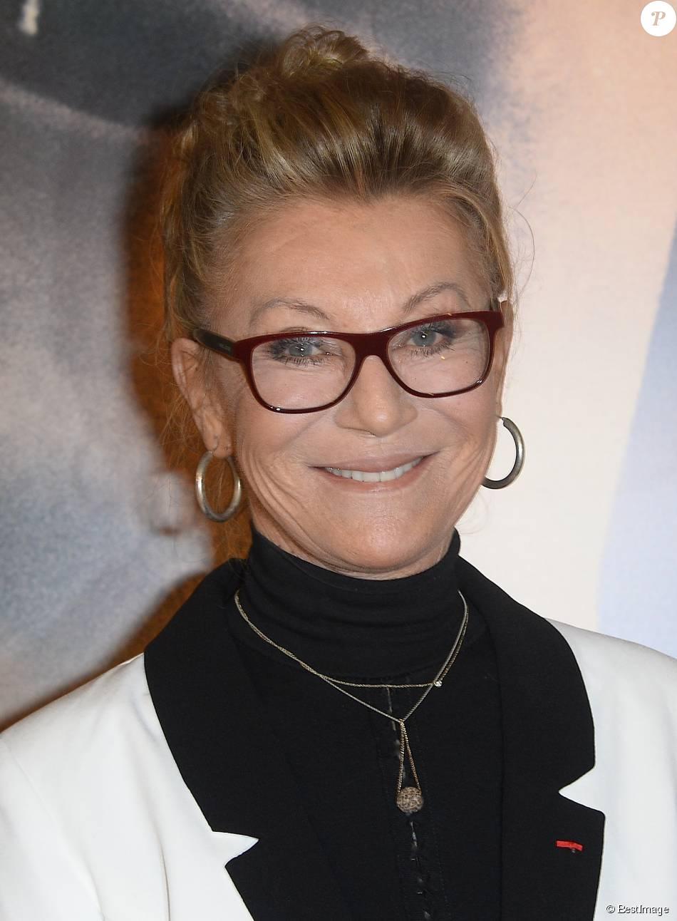 """Sheila - Avant-première du film """"La French"""" au cinéma Gaumont Opéra à Paris, le 25 novembre 2014."""