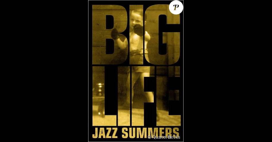 Jazz Summers, Big Life, son autobiographie, parue en 2013. Le fameux manager britannique est décédé le 14 août 2015 à 71 ans, des suites d'un cancer.