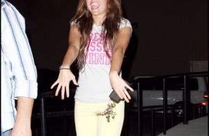 REPORTAGE PHOTOS : Miley Cyrus, waouh, quelle bague !