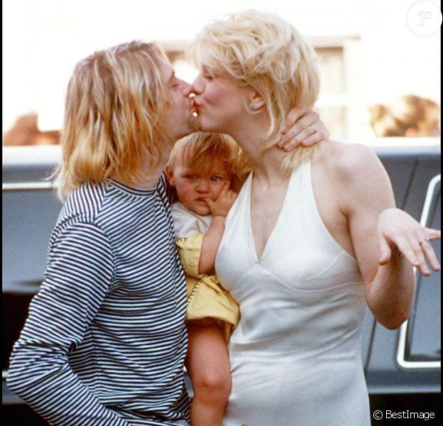 Kurt cobain, Courtney Love et leur fille Frances Bean à la cérémonie des MTV Video Music Awards à Los Angeles, en septembre 1993.