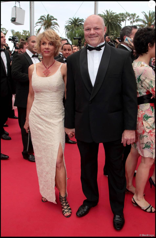 Philippe Etchebest et son épouse Dominique, lors de la montée des marches du Festival de Cannes, le 18 ùmai 2011