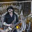 Lemmy Kilmister de Motörhead en concert aux Vieilles Charrues en 2008