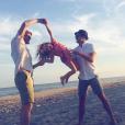 Neil Patrick Harris et son mari David avec leur fille Harper / photo postée sur Instagram.