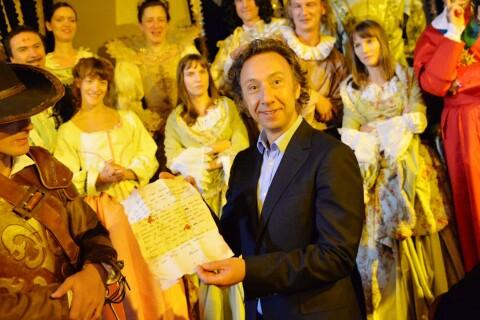 """Stéphane Bern vous invite au """"Dernier bal de la reine de France"""" !"""