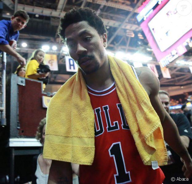 Derrick Rose après la victoire des Bulls sur les Cleveland Cavaliers lors de la demi-finale de conférence à la Quicken Loans Arena de Cleveland, le 4 mai 2015