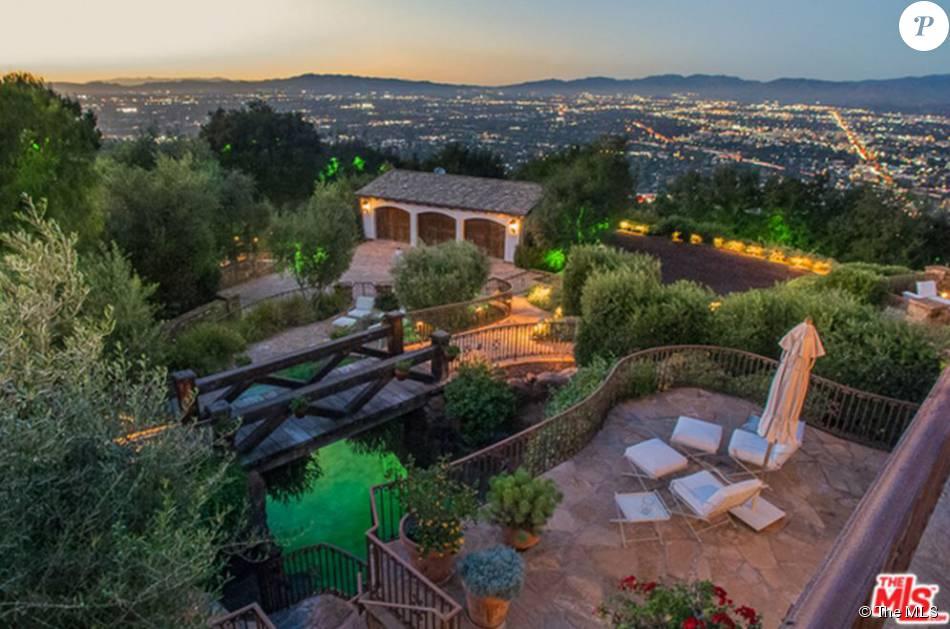 Tom Cruise a vendu un lot de deux maisons à Los Angeles pour 11,4 millions de dollars.
