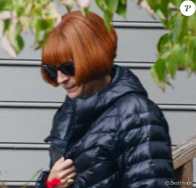 """Exclusif - Julia Roberts porte une perruque rousse sur le tournage de """"Mother's day"""" à Atlanta le 1er octobre 2015."""