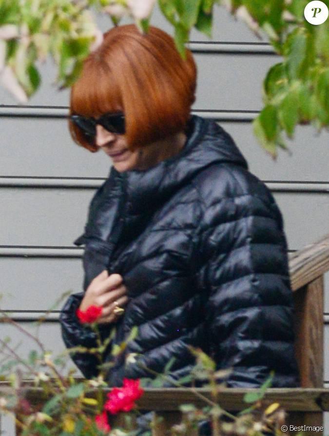 Exclusif julia roberts porte une perruque rousse sur le for Juives portent une perruque