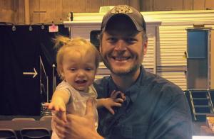 Christina Aguilera : Sa fille au bord des larmes dans les bras de Blake Shelton