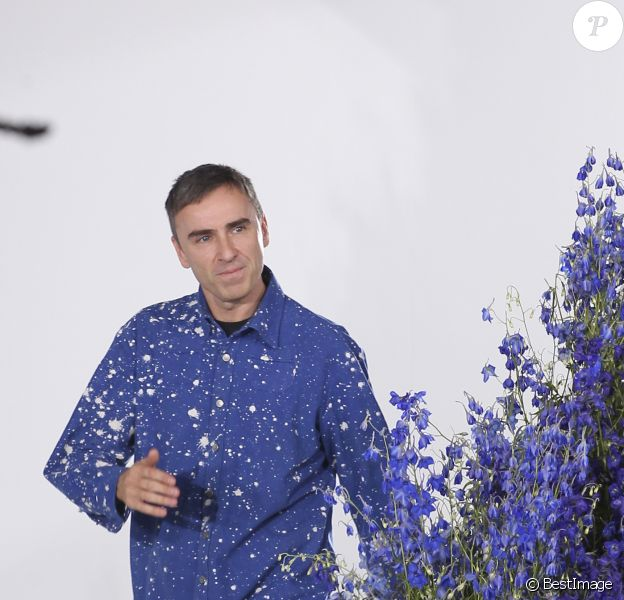 Le styliste Raf Simons - Défilé Dior collection prêt-à-porter Printemps/Eté 2016 lors de la fashion week à Paris, le 2 octobre 2015.