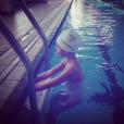 """Laure Manaudou poste un cliché de sa petite Manon dans un bassin : """"Mini-moi"""""""