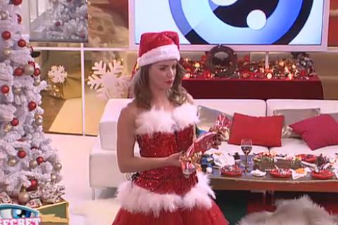 Secret Story 9 : Emilie en pleurs se venge de Rémi, les habitants fêtent Noël !