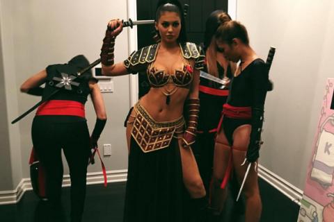 Kylie Jenner sexy, Kendall surprend, Kim recycle, le Halloween des Kardashian