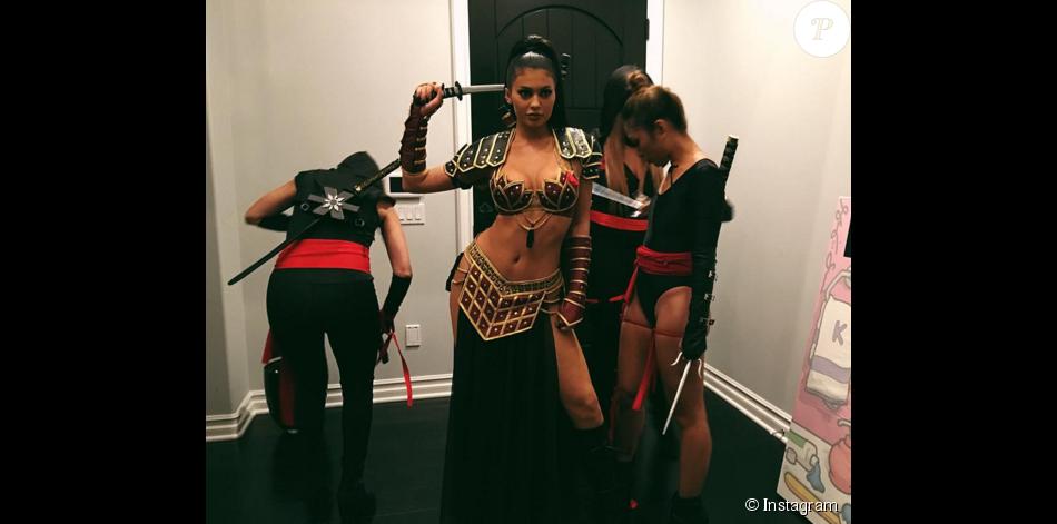 Kylie Jenner on ne peut plus sexy en guerrière pour Halloween