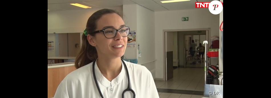 Marine Lorphelin, en quatrième année de médecine, lors de son stage aux urgences du Centre de la Polynésie française