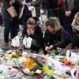 Hommages aux victimes de l'attentat terroriste du Bataclan à Paris le 16 novembre 2015