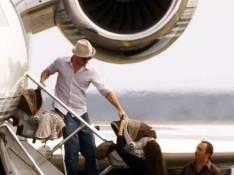 PHOTOS : Brad Pitt et Angelina sont de retour en France... avec les couffins !