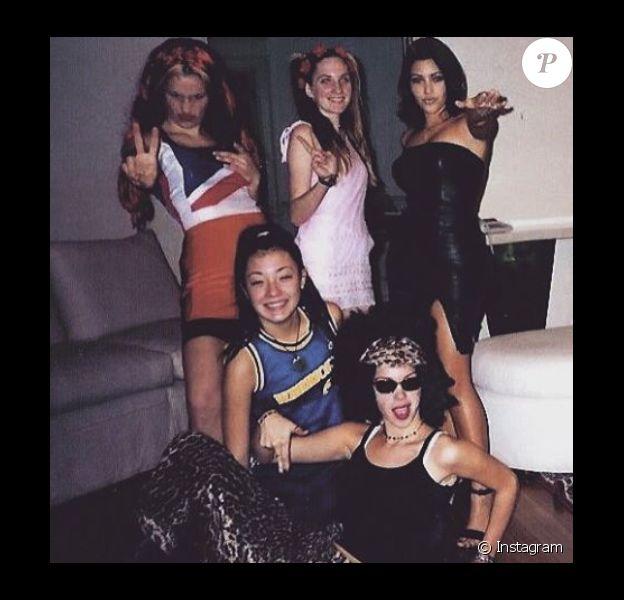 Pour un concours de talent à l'époque du lycée, Kim Kardashian et ses amis se sont déguisés en Spice Girls / photo postée sur Instagram, le 27 novembre 2015.