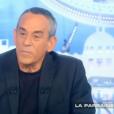 Thierry Ardisson présente  Salut les Terriens  sur Canal+, le samedi 28 novembre 2015.