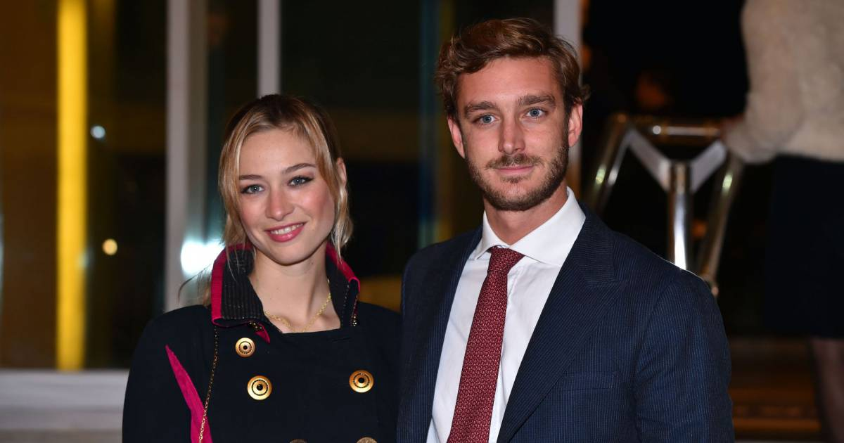 exclusif pierre casiraghi et sa femme beatrice borromeo vente aux ench res en faveur de. Black Bedroom Furniture Sets. Home Design Ideas