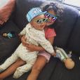 La belle Emilie Nef Naf dévoile une photo de ses enfants, Maëlla (3 ans) et Menzo (1 an). novembre 2015.