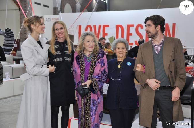 exposition mother love Exposition: mother love exposition refers to prose whose purpose is to give information the writer's purpose of writing an expository essay is to convince the.