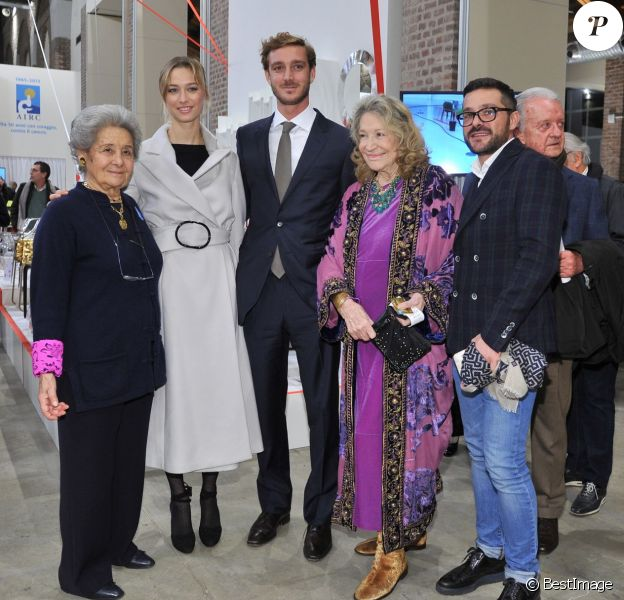 """Bona Borromeo, Beatrice Borromeo, Pierre Casiraghi, Marta Marzotto et Carlo Borromeo - Inauguration de l'exposition """"Love Design"""" à Milan le 10 décembre 2015."""