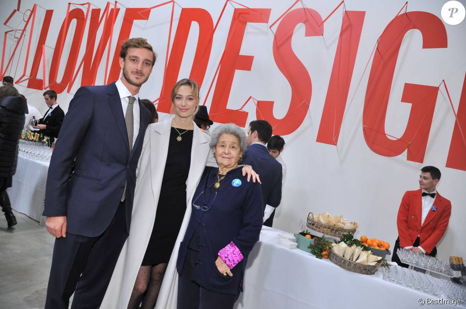 "Pierre Casiraghi, sa femme Beatrice Borromeo et Bona Borromeo - Inauguration de l'exposition ""Love Design"" à Milan le 10 décembre 2015."