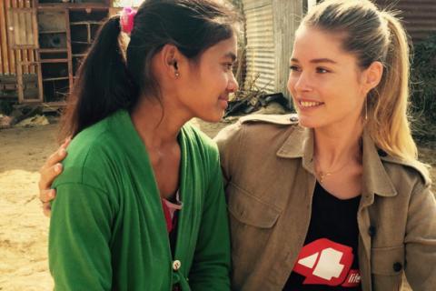 Doutzen Kroes au Népal : Émotion et rencontres, voyage inoubliable pour le top