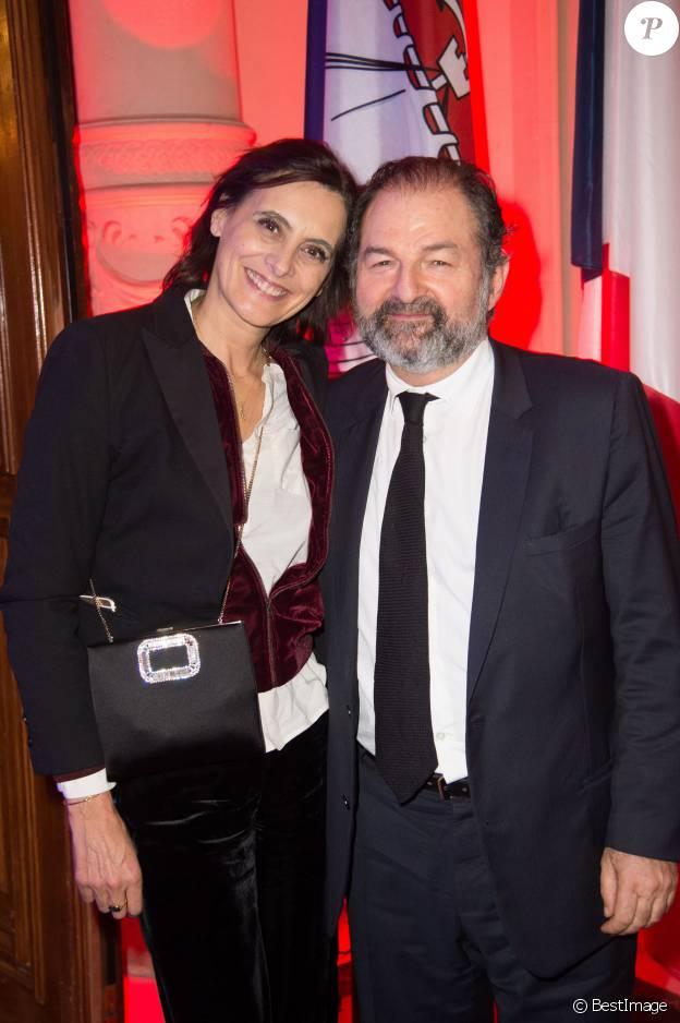 Inès de La Fressange et son compagnon Denis Olivennes - Dîner de la FIDH (Fédération International des Droits de l'Homme) à l'Hôtel de Ville de Paris le 8 décembre 2015.